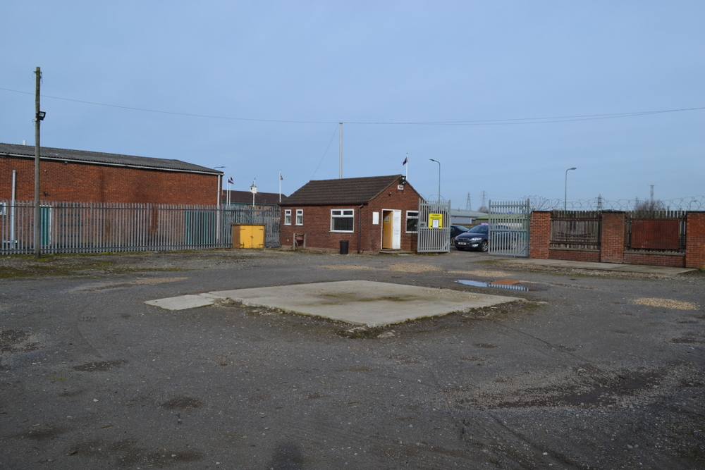 SALES YARD AND OFFICE WARREN ROAD SCUNTHORPE NORTH LINCOLNSHIRE DN15 6XH,
