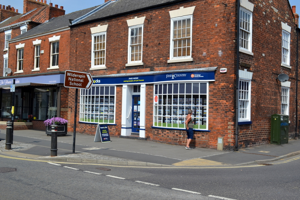 10 HIGH STREET BARTON UPON HUMBER DN18 5PD,