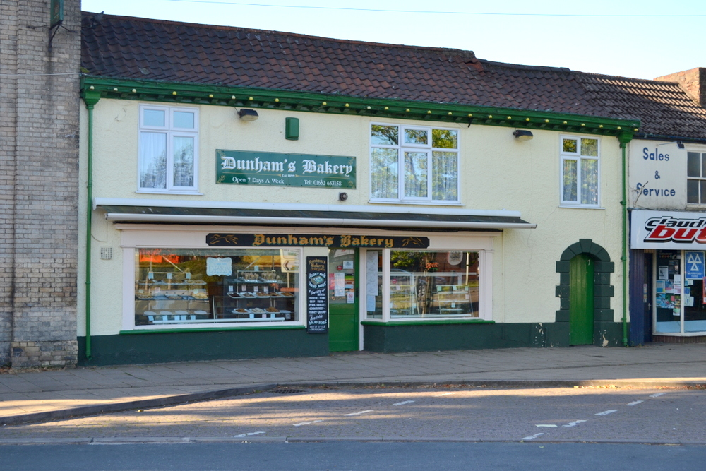 DUNHAMS BAKERY 7 BRIDGE STREET BRIGG NORTH LINCOLNSHIRE DN20 8LP,